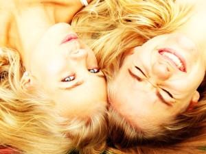 capelli biondi schiarire sbiondire colpi di sole rimedi naturali birra camomilla limone consigli della nonna come schiarire i capelli