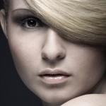 Coprire i primi capelli bianchi con metodi naturali