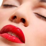 Vesti la tua bocca di seduzione con il rossetto giusto