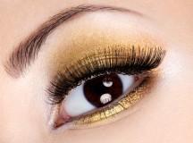 Smokey eyes effetto oro: ecco come realizzarlo