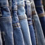 Come riciclare i vecchi jeans: tante idee di riciclo creativo del denim