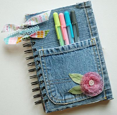 riciclo creativo jeans denim riciclare riusare riutilizzare moda fai da te borse scarpe vestiti accessori braccialetti