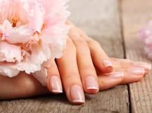 Cosa fare quando le mani sudano troppo? Consigli e rimedi fai-da-te