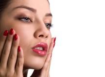 Come eliminare brufoli e punti neri con i rimedi naturali: maschere, scrub e trattamenti fai-da-te