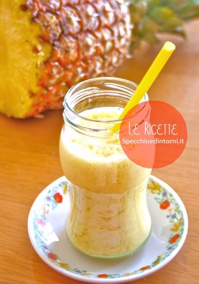 Smoothie di Ananas al profumo di Zenzero e Cannella (ricetta vegan)